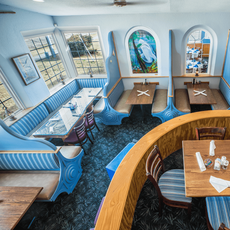 Mako's Beach Grille + Bar